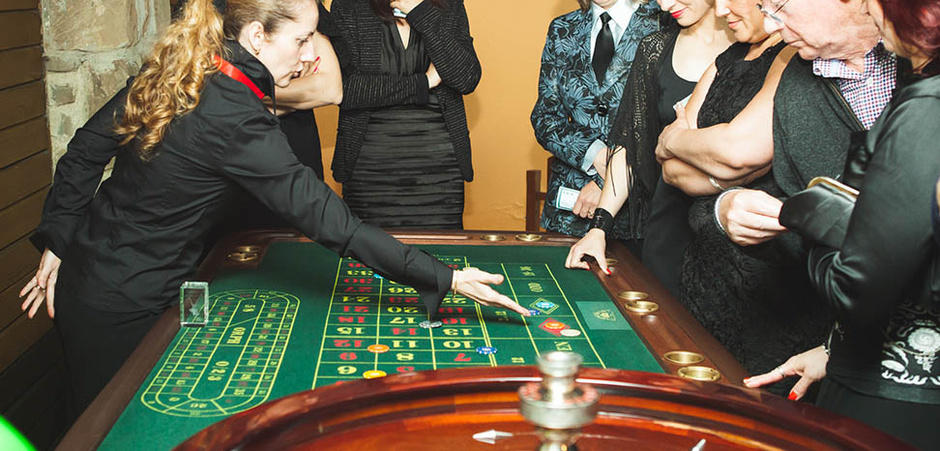 CASINO ROYALE / JAMES BOND PARTY-NcEkkGRX4.jpg